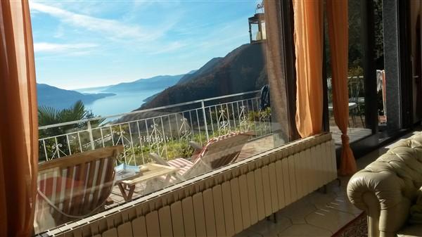 Lago Maggiore Panorama von der Couch aus